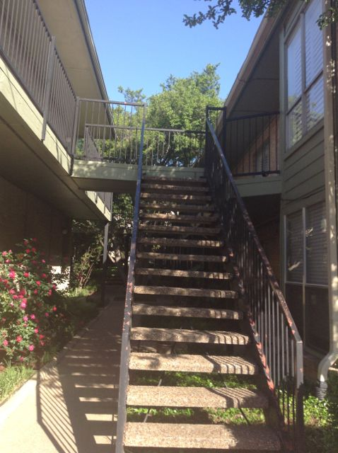 """29 This is how the """"Descent into hell"""" (see earlier photos) looks when you're at the bottom. From this angle I like to call these stairs """"Mount Turtle Creek Terrace"""""""